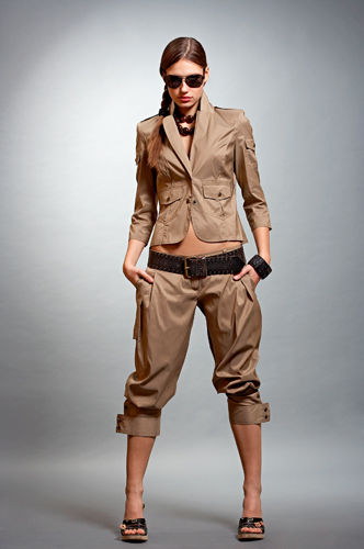 Пошив женской одежды любых стилей от классики до женского платья, брюк...