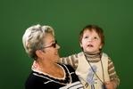 [+] Увеличить - Малыш и бабушка