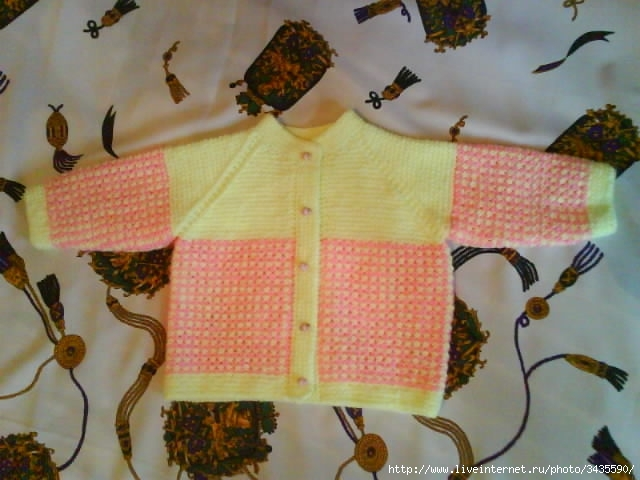 Кофта для малыша (связанная спицами.  Кофточка с подсолнухами для малыша...