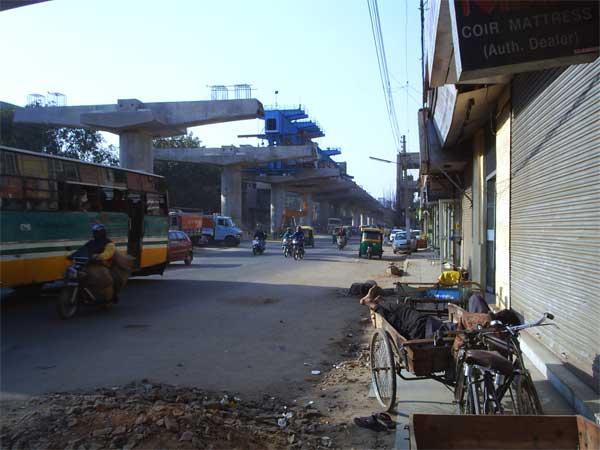 На улице Дели