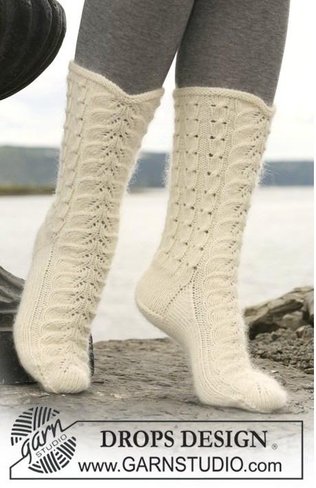вязание спицами ажурные носки.