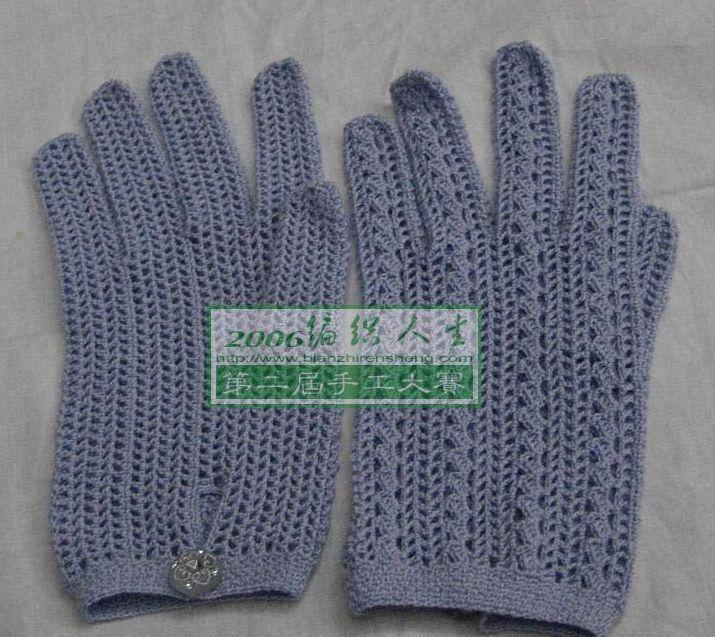 Фиолетовые перчатки крючком
