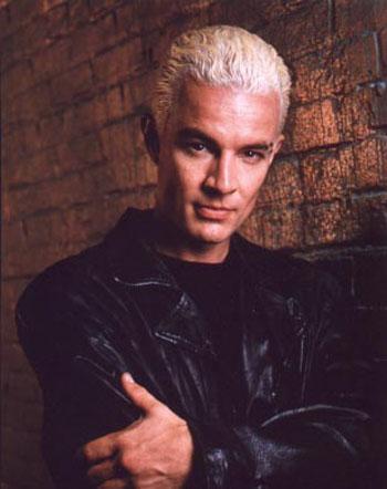 """В 1997 году Марстерса пригласили на роль Спайка во втором сезоне сериала  """"Баффи - истребительница вампиров """"."""