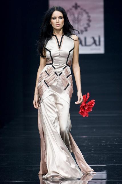 Коллекция летних платьев 2010 года от Куралай Нуркадиловой-на фото.