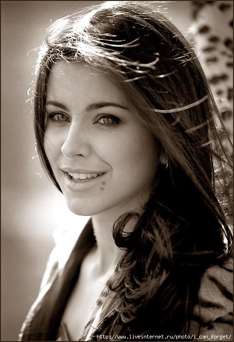 ...день однам из самых популярных певиц Украины - Ани Лорак.  Вы сможете.