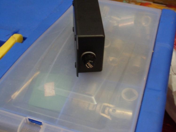 1) Собрал стабилизатор напряжения для монитора.  Схема стандартная - Lm7812 + пара кондеров + дроссель...