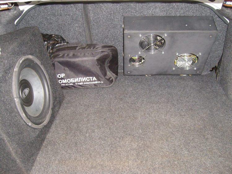 Вид из багажника - на фотках