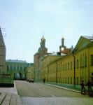 Слева Дворец Съездов.