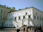 Грановитая палата была заложена в 1487г. итальянским мастером Марко Фрязином как парадный тронный зал для торжественных приемов в новом великокняжеском дворце Ивана III. Строительство ее закончил в 1491г. ломбардский архитектор Пьетро Антонио Солари.  Зда