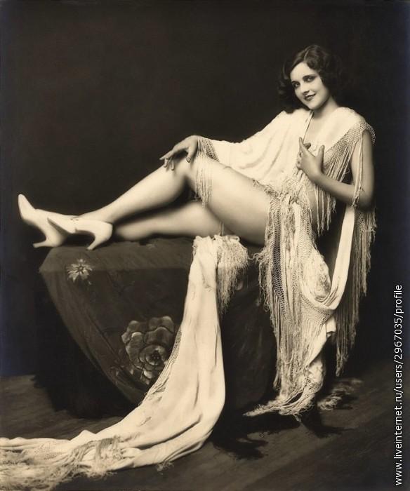 Черно-белые фотографии обнаженных девушек - Ню.  George Portz (72 фото).  Креативные фотографии девушек от...