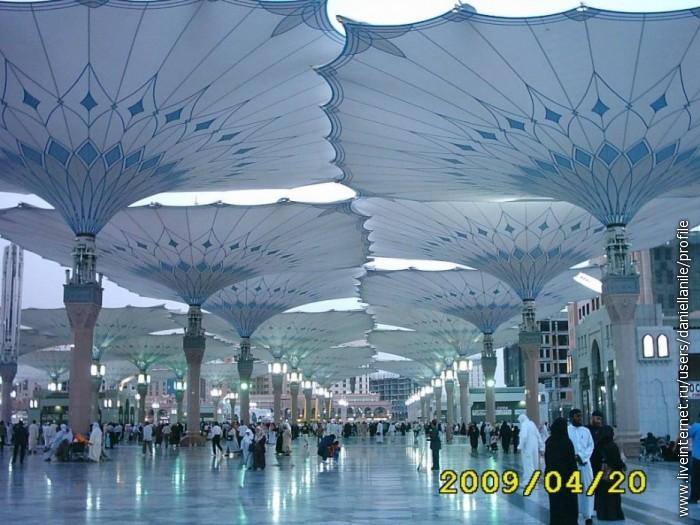 The Prphet Mohamed's Mosque in El Madina El Menawwara City in Saudi Arabia