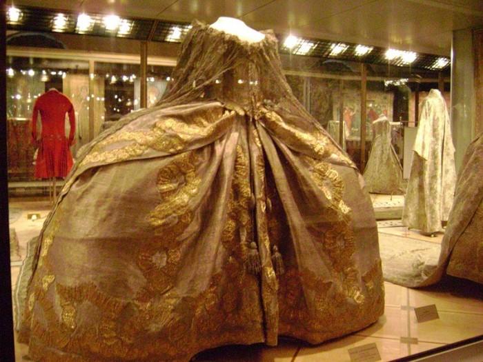 Царские одежды в Оружейной палате.