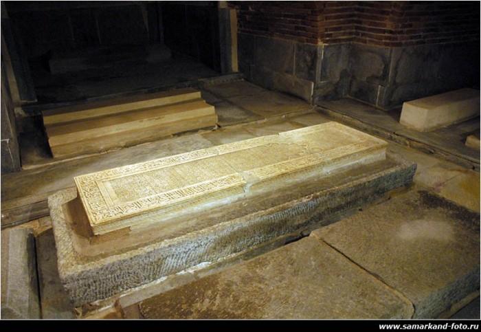 Гур-Эмир (узб. Gur Amir, тадж. Гури Амир) 45779