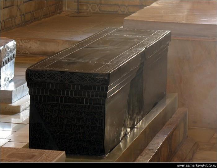 Гур-Эмир (узб. Gur Amir, тадж. Гури Амир) 61859