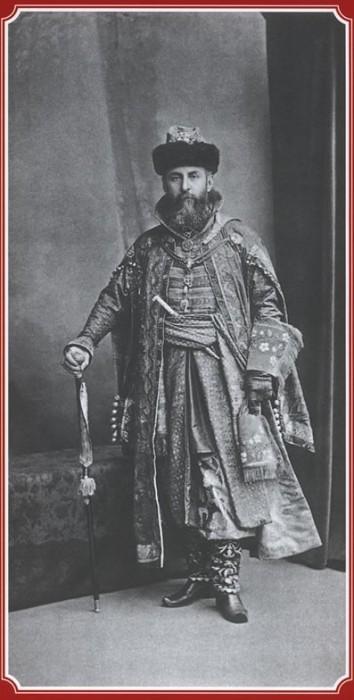 Гофмейстер двора Граф Алексей Александрович Бобринский - Боярин Генерал-адъютатнт Князь Дмитрий Борисович Голицын
