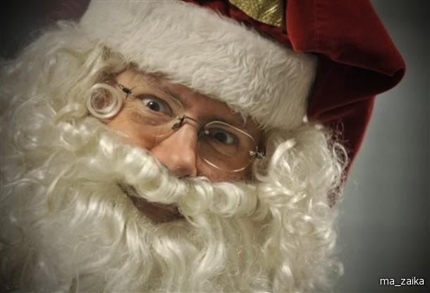 Ощущение что новый год завтра, али сегодня? Санта Клаусы заполонили мир.
