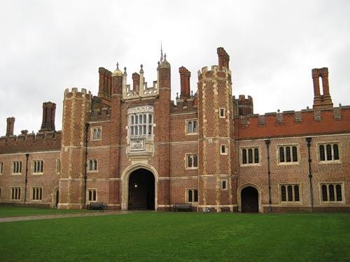 Дворец Хэмптон-Корт 99054