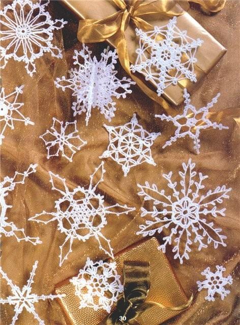 метель из вязанных снежинок