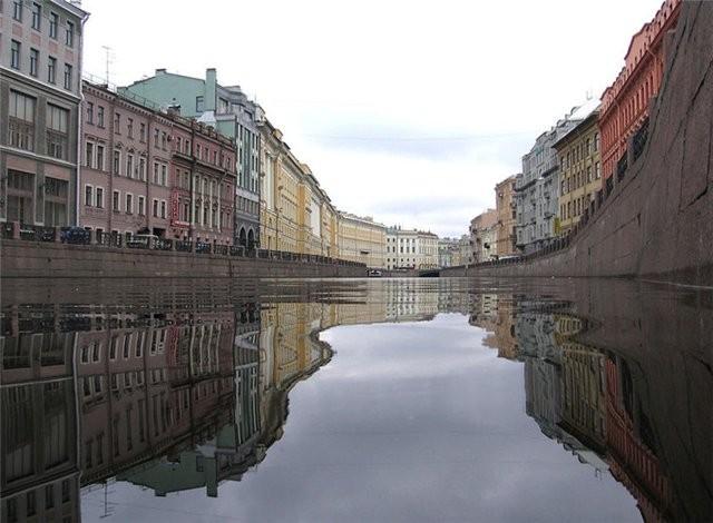Вода Петербурге