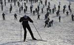 [+] Увеличить - 'Лыжня России' в Яхроме, около 50 км от Москвы, 12 февраля 2012 года.