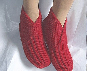 knitting slippers, free knitting pattern and tutorial