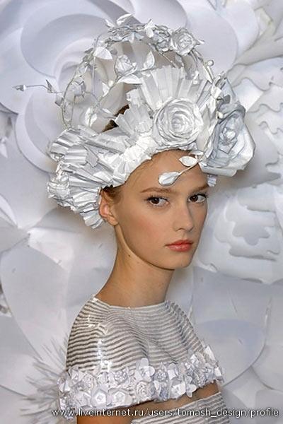 Chanel на Парижской Неделе моды: фантастические головные уборы.