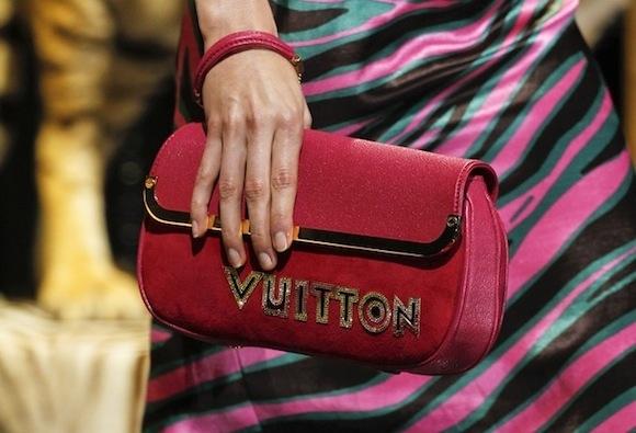 Marc Jacobs' Louis Vuitton Spring 2011 коллекция сумок - 45.