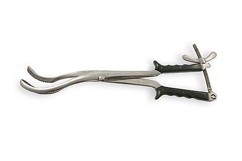 Краниокласт Брауна Этот инструмент накладывается на голову ребёнка и вращается, что приводит к отрыву частей черепа.