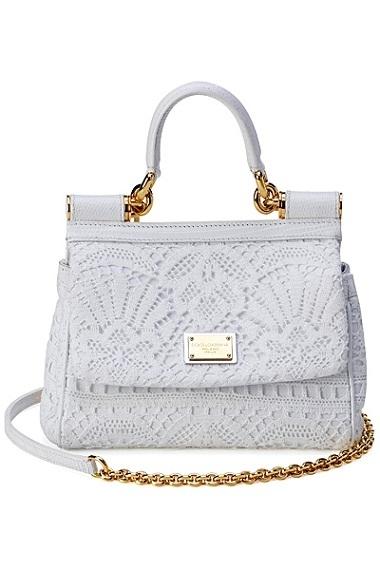 Модная белая сумка от Дольче и Габбана.
