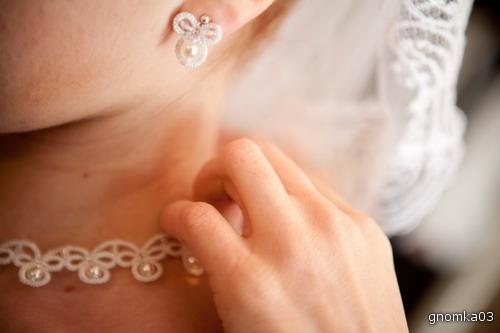 Свадебные серьги на невесте (анкарс, фриволите) .