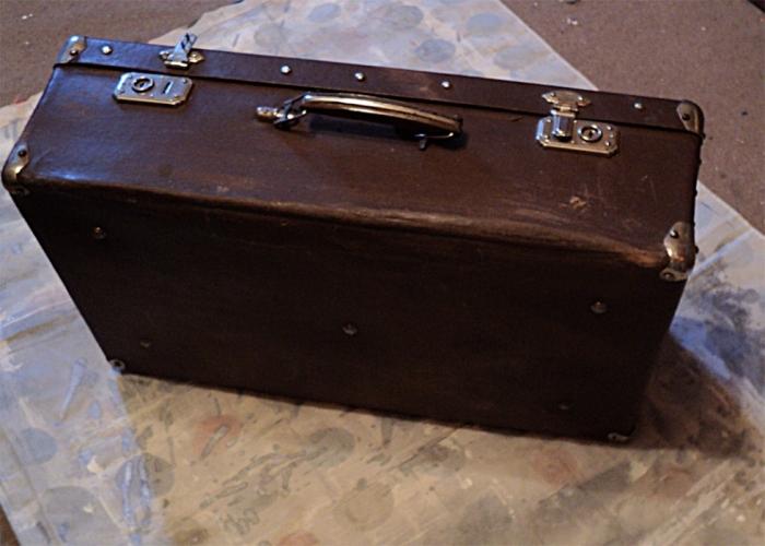 """МК  """"Декорирование старого чемодана."""