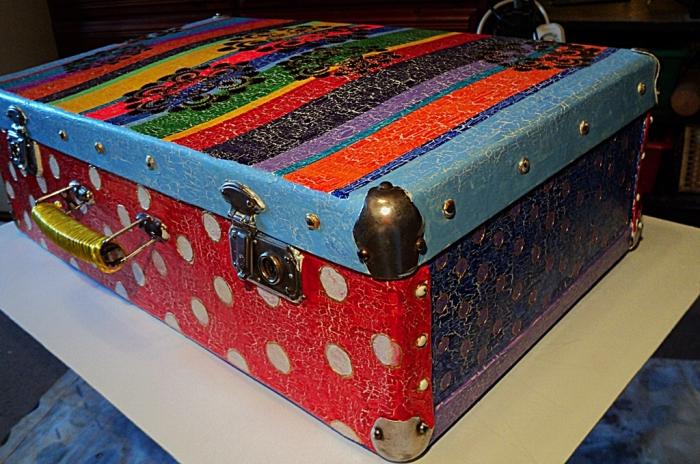 Переделка старого чемодана.
