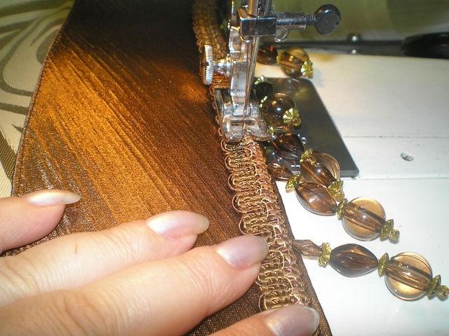 Пришиваю бахраму