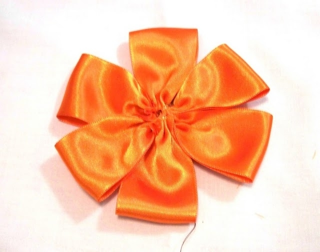 making ribbon flower
