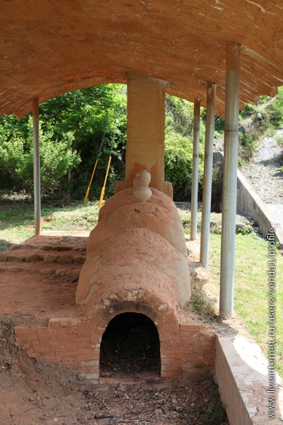 Печь для отжига национальной керамики.