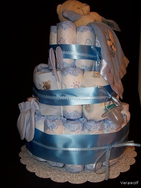 http://img1.liveinternet.ru/images/foto/c/0/apps/3/568/3568317_princess_diaper_cake_010.jpg