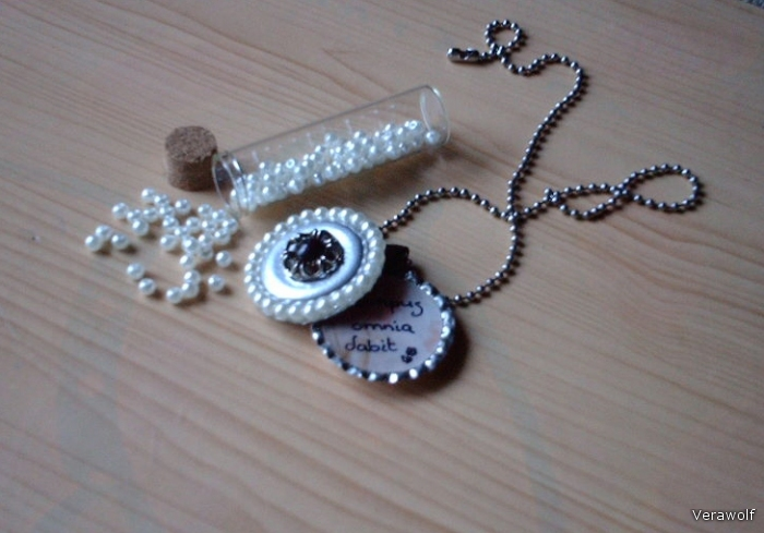 recycle pull tabs in to medallion