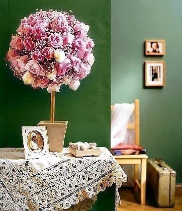 Розовое дерево из салфеток своими руками не просто украсит Ваш интерьер, оно изменит настроение и стиль комнаты...