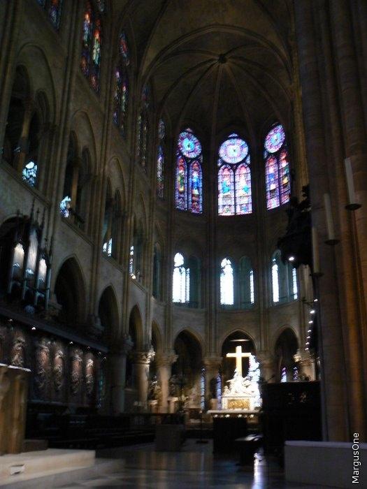Интерьер Notre Dame de ParisИнтерьер Notre Dame de Paris