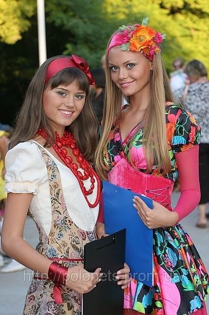 одежда в украинском стиле.