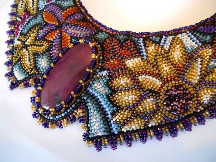 Все мы любим кристаллы...  Описание процесса плетения из бсисера цветка пролески (голубого подснежника)...