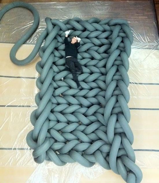 Вязанная кровать