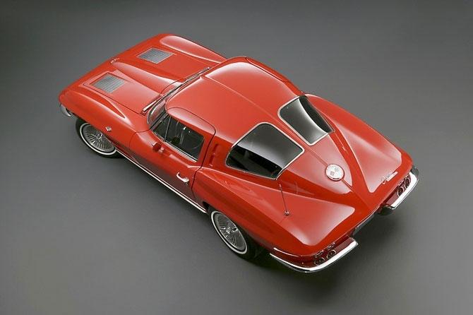 Chevrolet Corvette 1963 release.