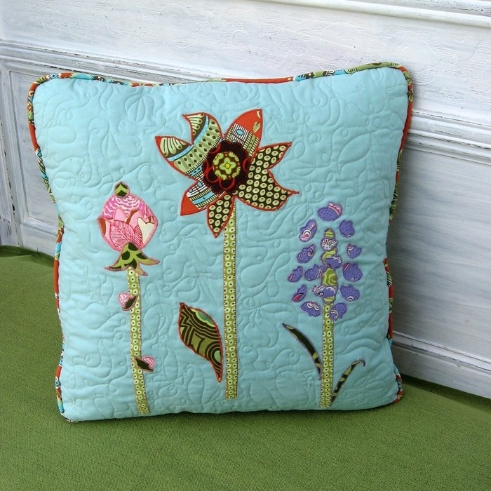 craft ideas for home and gifts: pillows with application