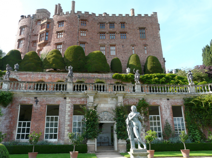 Сад замка Поуис (Powis Castle Gardens). Уэльс, Англия