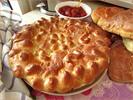 [+] Увеличить - Пирог с черёмухой и булочки с изюмом