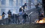 [+] Увеличить - Ситуация в Киеве. Louis Gouliamaki/AFP