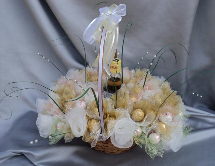 Подарок на свадьбу своими руками из цветов 27