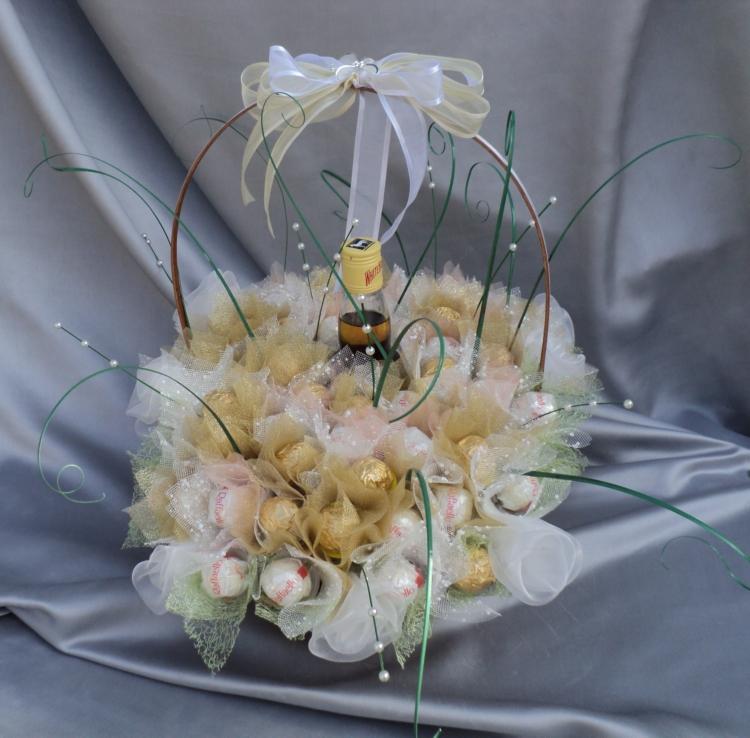 Подарок на свадьбу своими руками из цветов 53