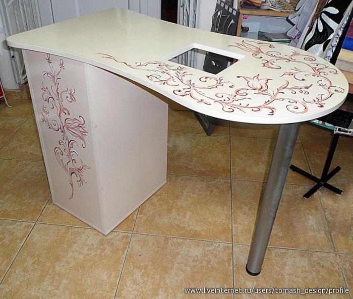 Маникюрные столы своими руками